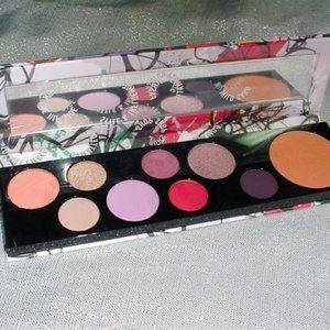 MAC New Fashion Fanatic Eyeshadow Blush Palette